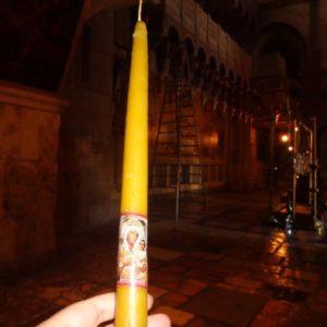 Восковая свеча